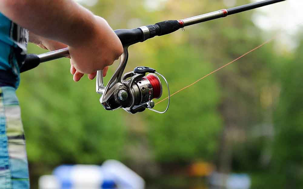 Backpack-fishing-rod-and-reel